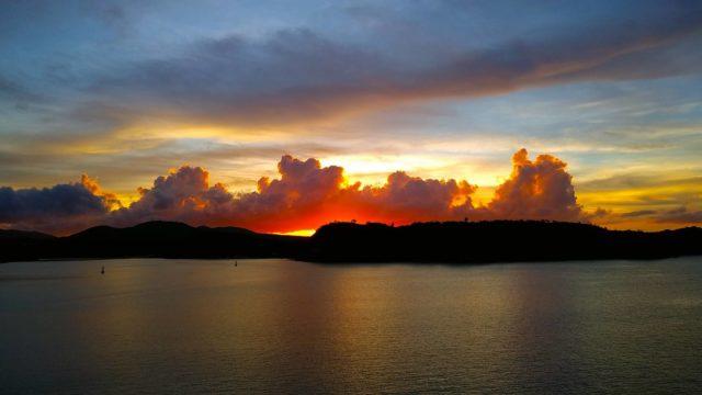 古宇利大橋からの夕陽