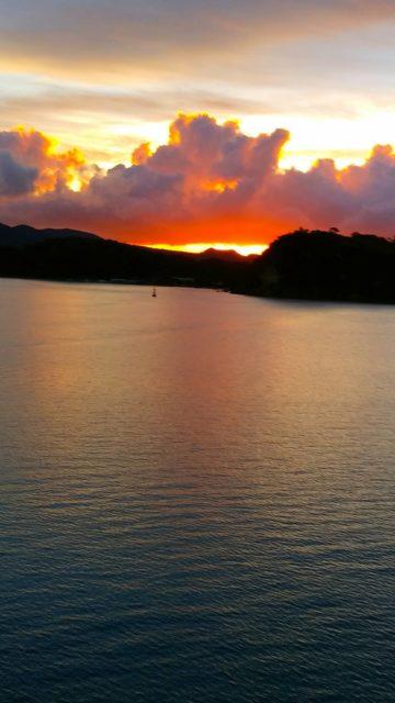 絶景 古宇利大橋からの夕陽